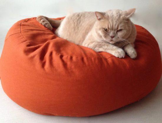 Bezug Katzenkissen Katzenbett Katzenschlafplatz oval wechselbar waschbar terracotta Größe S und M